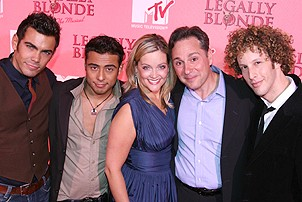 Gaelen Gilliland with the cast of Legally Blonde at the MTV taping